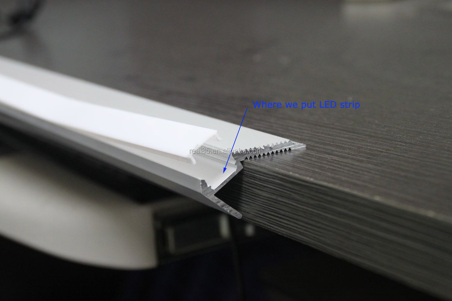 Aluminum Stair Nosing LED.frosted/Clear Cover.10~12MM Width LED Strip