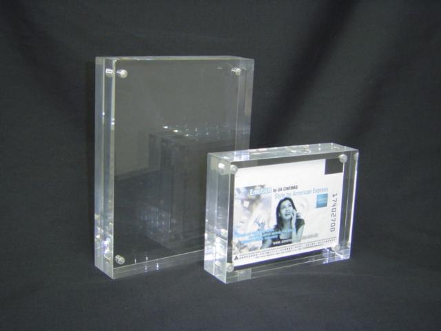 custom acrylic magnetic photo frame