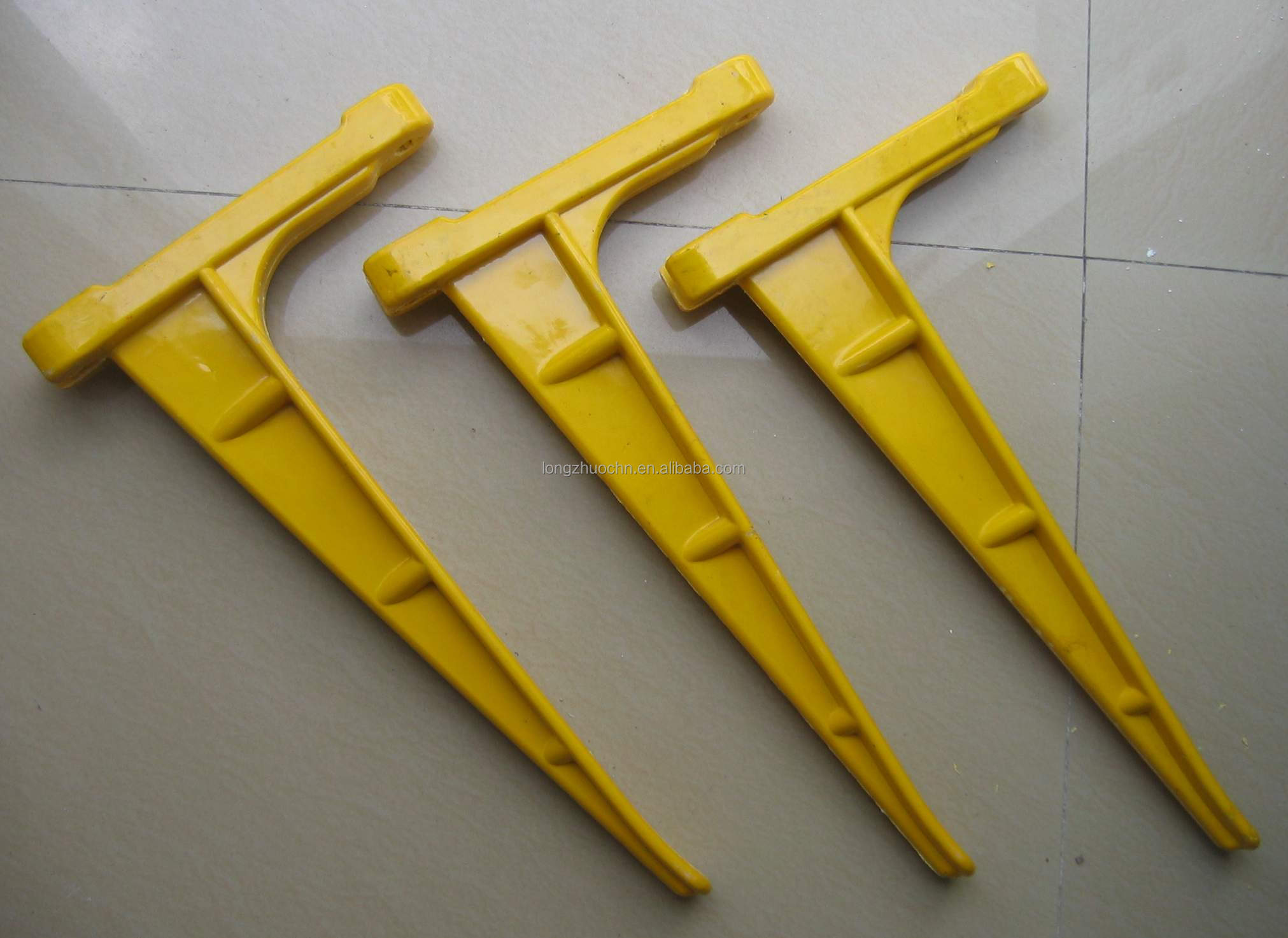 High Voltage Electrical Cable Hangers For Cable : Good price wall bracket for cable tray electric