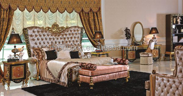 0061 Italy New Design Luxury Classical Wooden Hand Carved Golden Bedroom Furniture