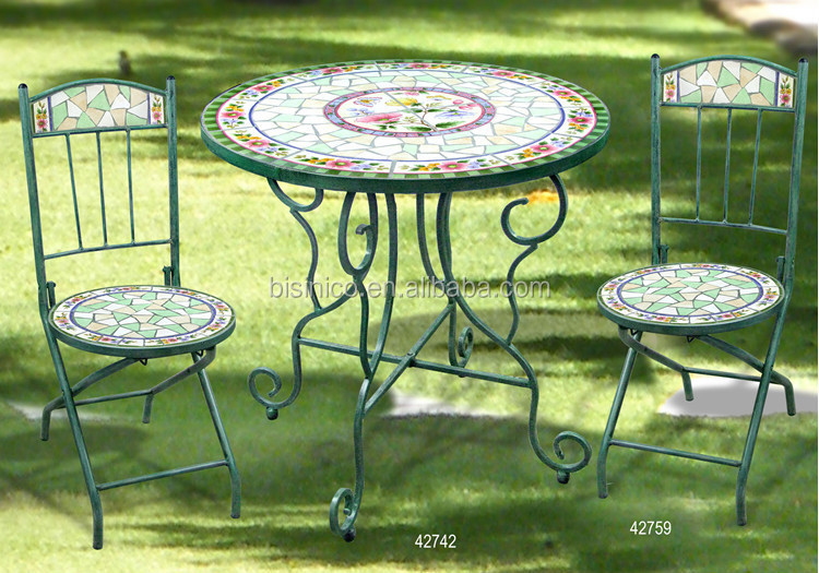 Awesome table et chaise de jardin mosaique pictures awesome interior home satellite for Achat table de jardin mosaique