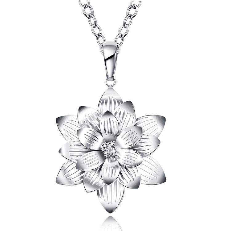 Popular Classic A diamond In The Middle Of The Beautiful Lotus Flower Pendant Necklace