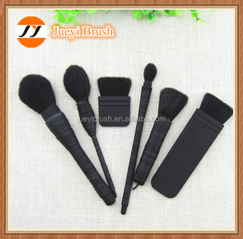 China 6pcs Goat Hair Powder Kabuki Brush Long Handle Rattan Kabuki Brush cosmetic brush set blush brush oval makeup brush set