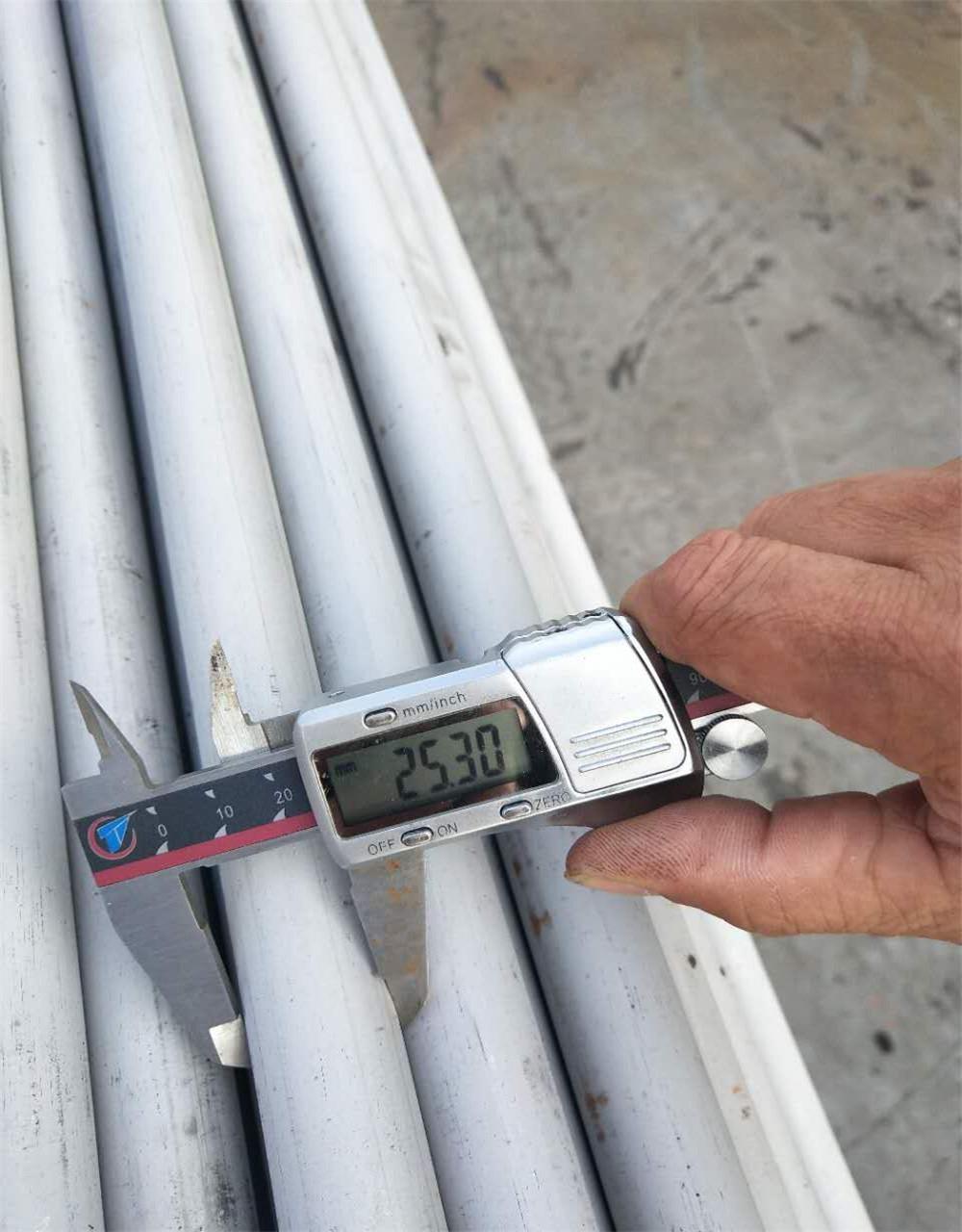 3j53 steel  ERW welded pipe