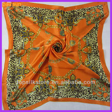 hand rolled hemming silk scarf 90x90