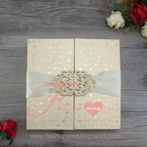 Thai Royal Heart Shape Luxury Gold Silk Box Wedding Invitation With Buckle