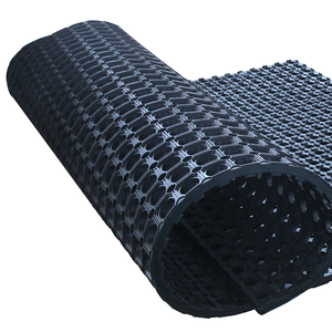 Anti-skid rubber mat for pig semen collection