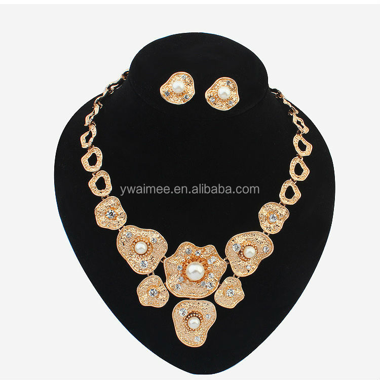Wholesale coral beads necklaces set fashion chinese ,modern pearl necklaces(AM-A1054)