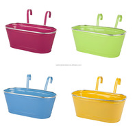 Various Colours Outdoor Metal Flower Pots Planters Hanging Flower Baskets with Double Fence