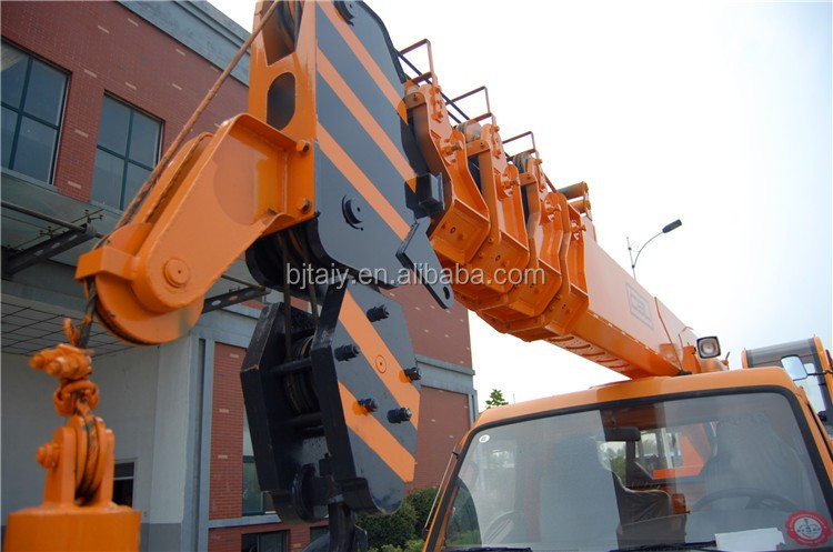 The Hydraulic Crane Is Used To Lift The 1400 : Ton hydraulic system truck lifting crane buy used