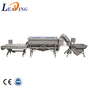 The root vegetables cassava / tapioca / manioc peeling machine