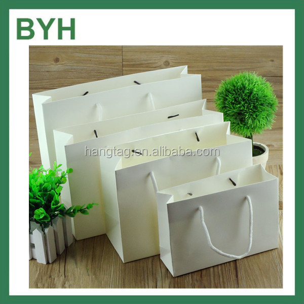 Customized Cheap Plain White Clothing Packaging Paper Bags With Handles