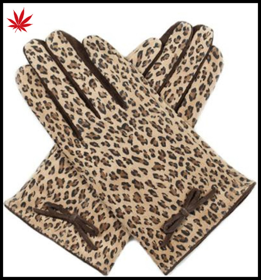 2016 new fashion women's Imitation of leopard fabric and sheep suede gloves