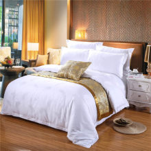 Luxury 4 pcs hotel jacquard bedding comforter sets fabric