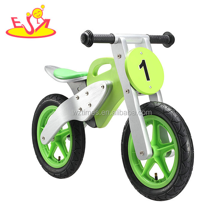 2018 Wholesale best child outdoor toys balance bike wood in green color W16C198