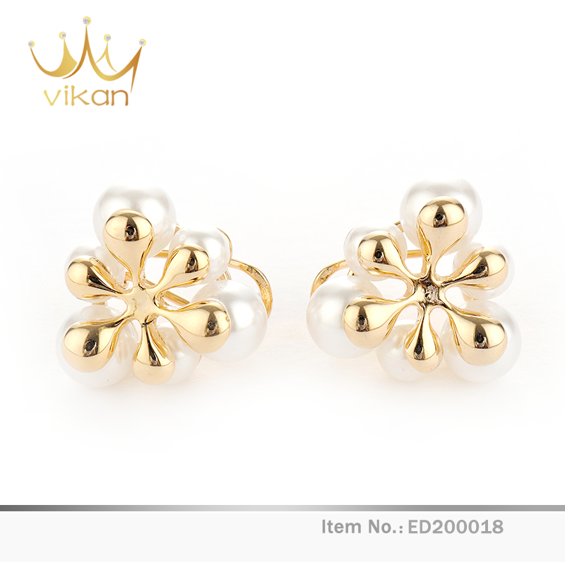 Latest flower type pearl gold stud fashion designs new model teardrop earrings