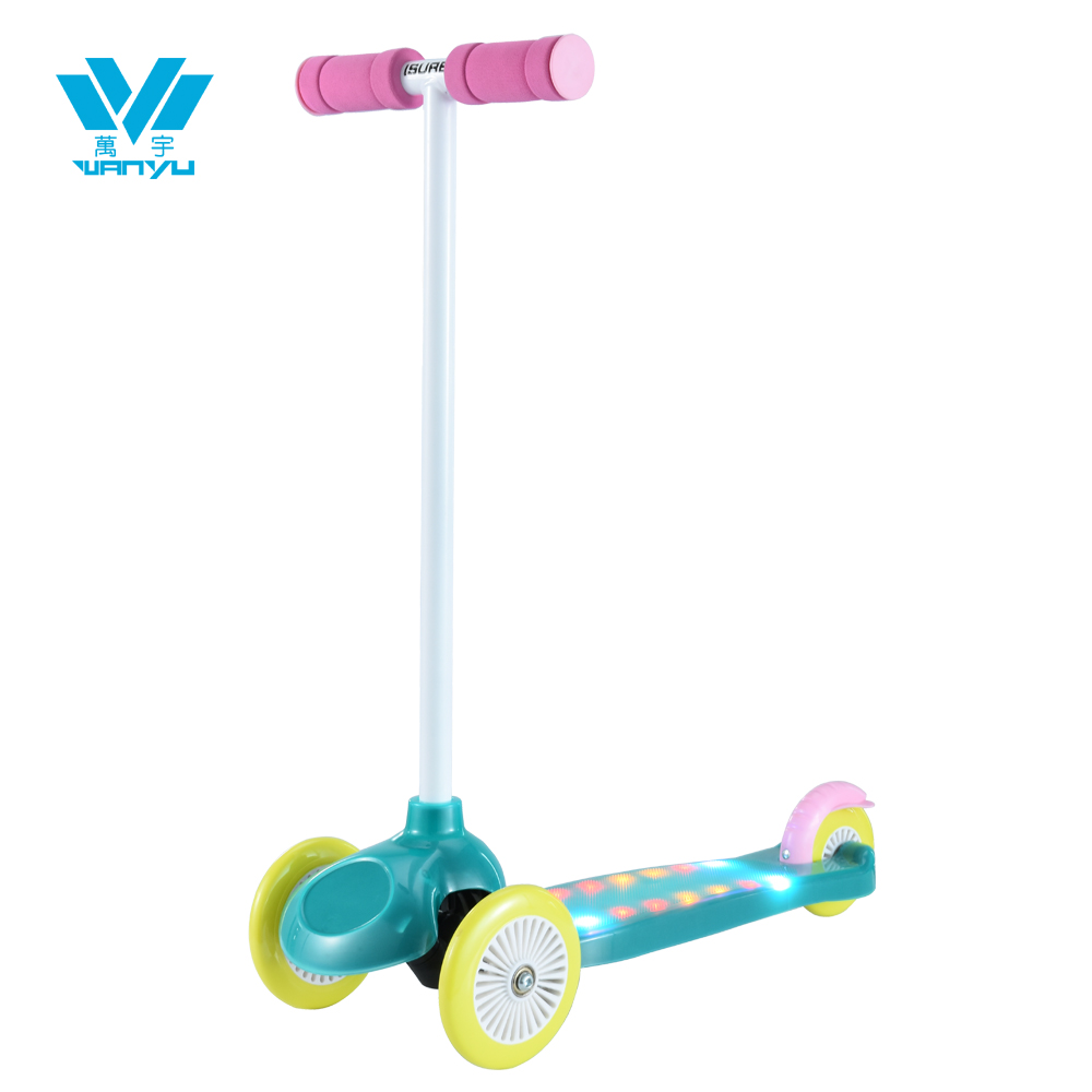 BSCI factory Three Wheels Kids Kick Scooter with led light on the deck or on the two sides