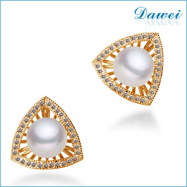 2017 Latest Design Triangle Gold Pearl Earrings Whole