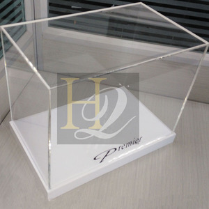 High Quality Plexiglass Acrylic Rectangle Display Gift Box With Bottom Acrylic Base Display Factory