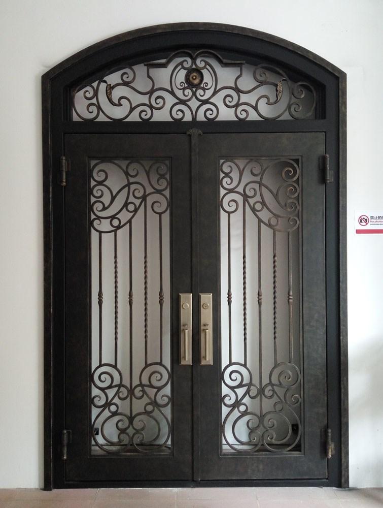 Double en fer forg porte d 39 entr e avec traverse buy grilles de porte en fer forg porte for Model porte en fer forge