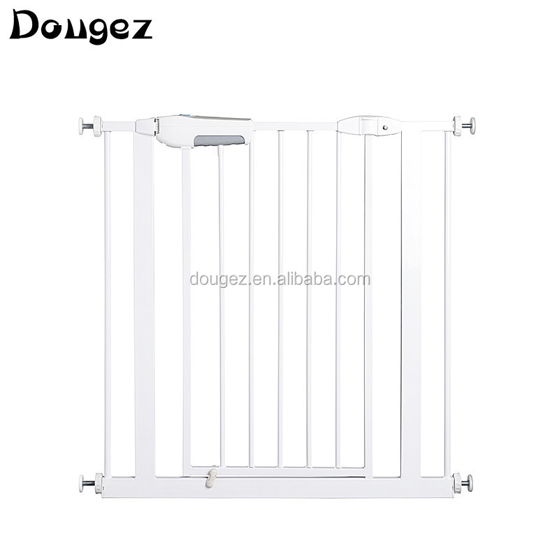 Hot selling  protect baby safety products retractable baby safety gate for babi safeti product