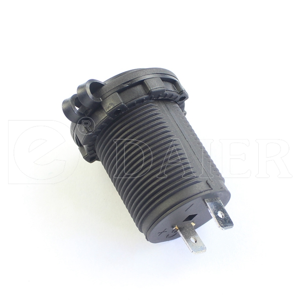 Car 12V DC Socket/Car Socket With Standard Nut And Marine Cover