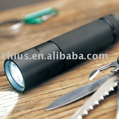 Adjustable Focus Powerful CREE Q5 LED Flashlight Torch 7W Zoom Light Lamp