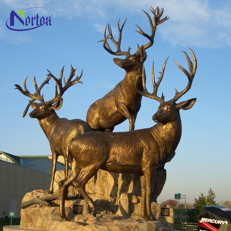 Modern garden decoration three standing bronze deer sculpture with base NTEK-04