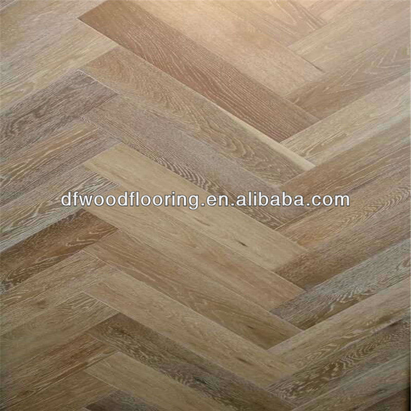 Wire-brushed White Oak Herringbone Parquet Solid Wood Flooring