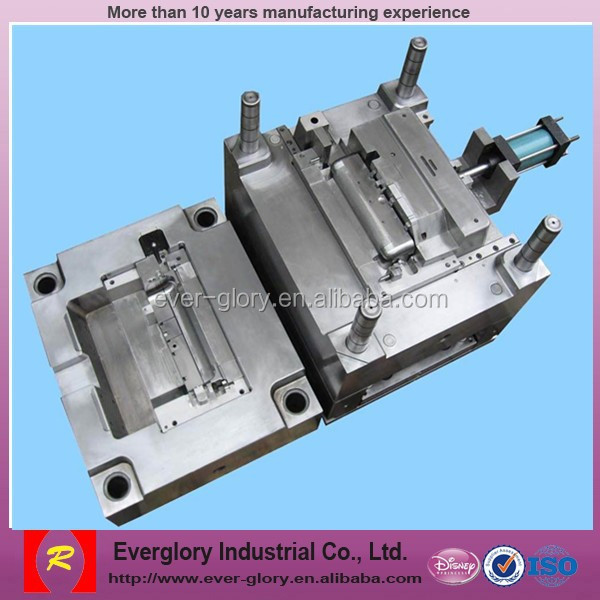 China supplier High efficient logo plastic injection mould , plastic molding for mass production