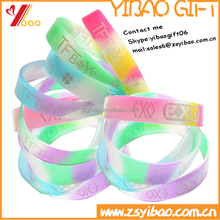 Wholesale bulk buy from China cheap custom colorful silicone bracelet for Christmas gift