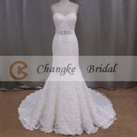 Elegant Sweetheart Sleeveless Long Wedding Dress With Long Train