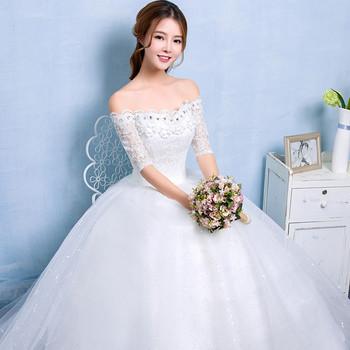 250e3c88a72 2017 Blanc style Coréen Pas Cher Mariée Plat épaule Demi-manches Dentelle  Robes ...