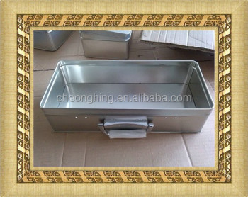 Gift metal handle rectangular tin box