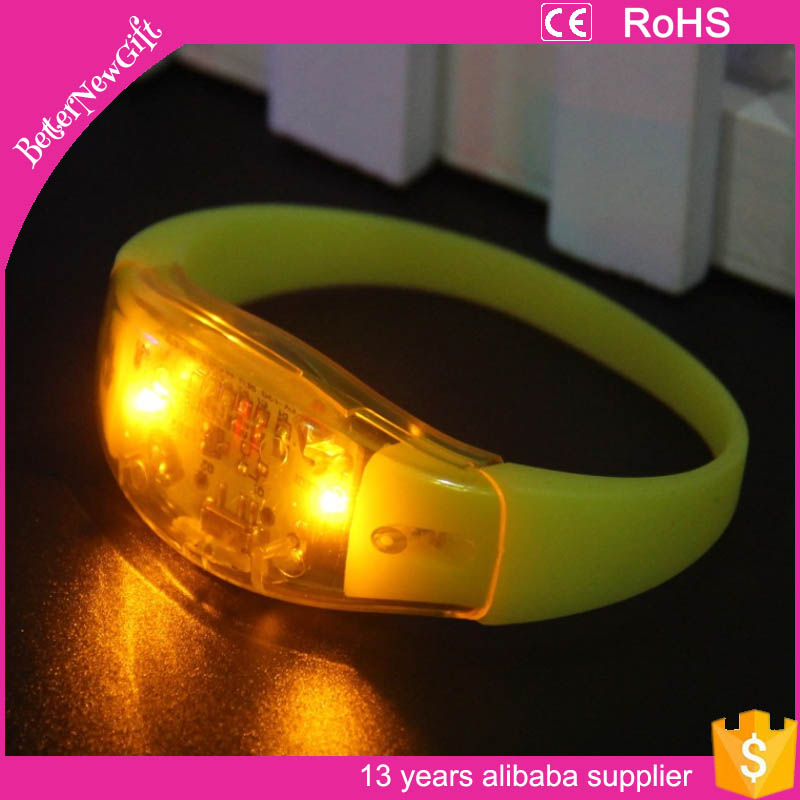 2016 Fashionable colorful Xyloband controller led flashing concert bracelet led remote silicon bracelet for party