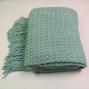 SZPLH Customized Super Cozy Warp Knitting Acrylic TV Blanket With Tassels