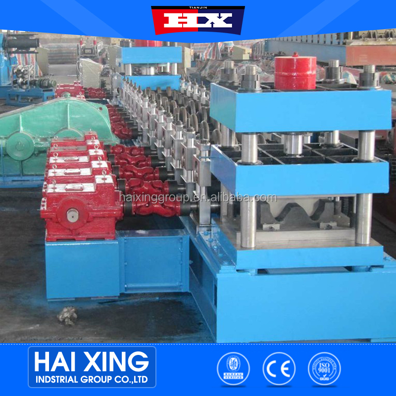 Road highway safety galvanized barrier fence roll forming machine/expressway safety guard rail roll forming machine