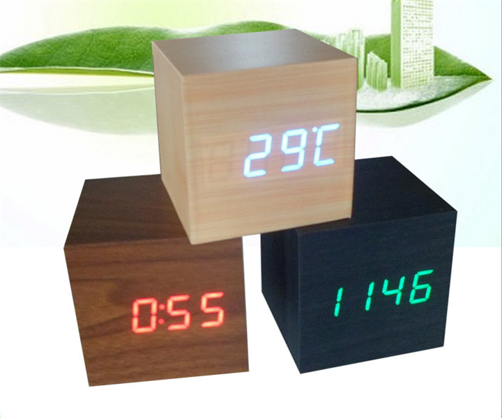 Moderna In Legno di Legno Digital LED Desk Alarm Clock Termometro Timer Calendario