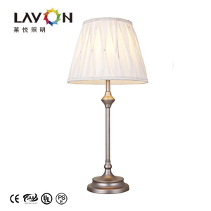 Low price energy saving silver color lace lampshade table lamp indoor