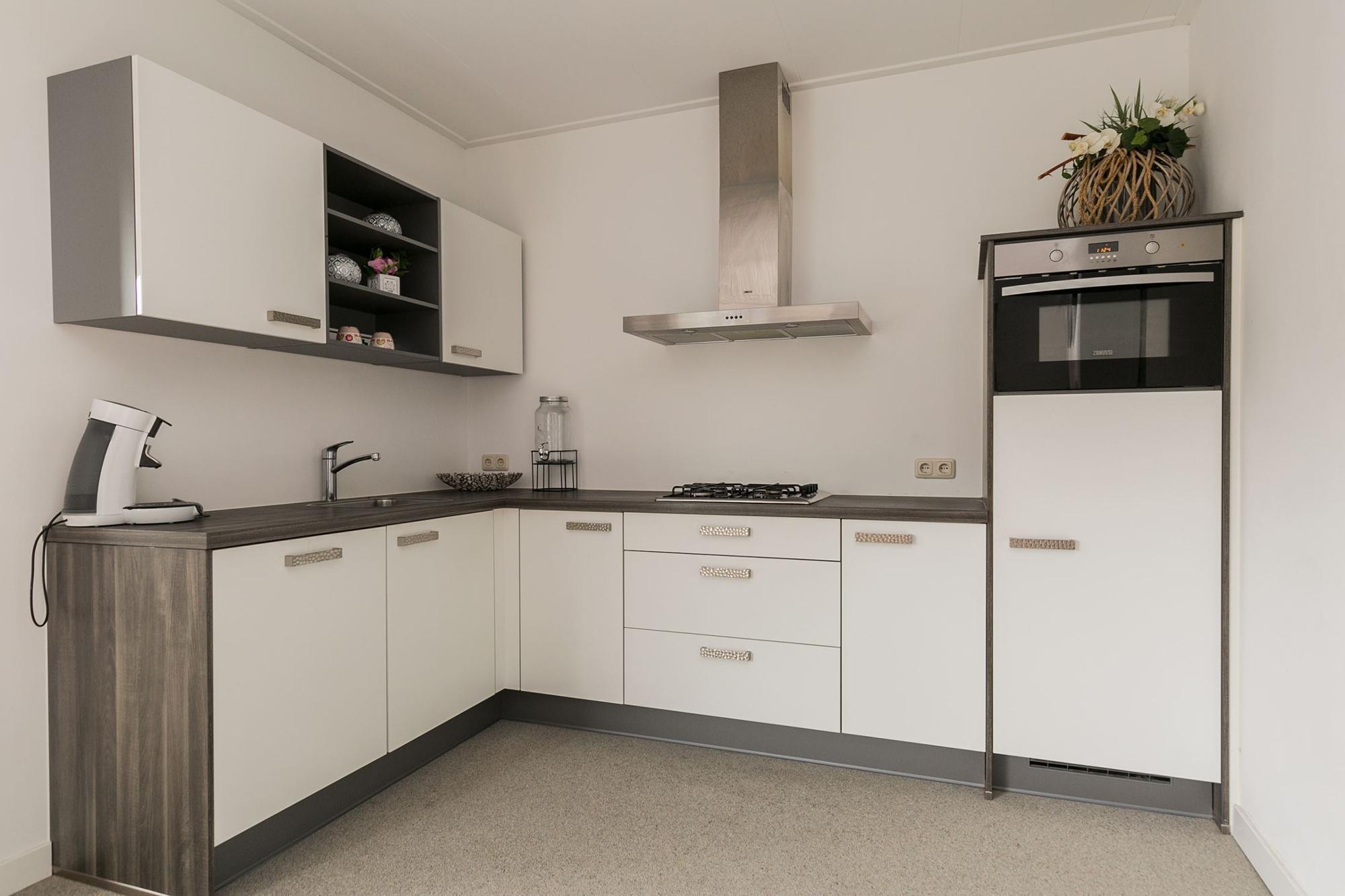 L Shapes Modular Wood Kitchen Cabinet Design For Small Kitchen Buy Modular Small Wood Kitchen Cabinet Design Small Kitchen Kitchen Cabinet Design
