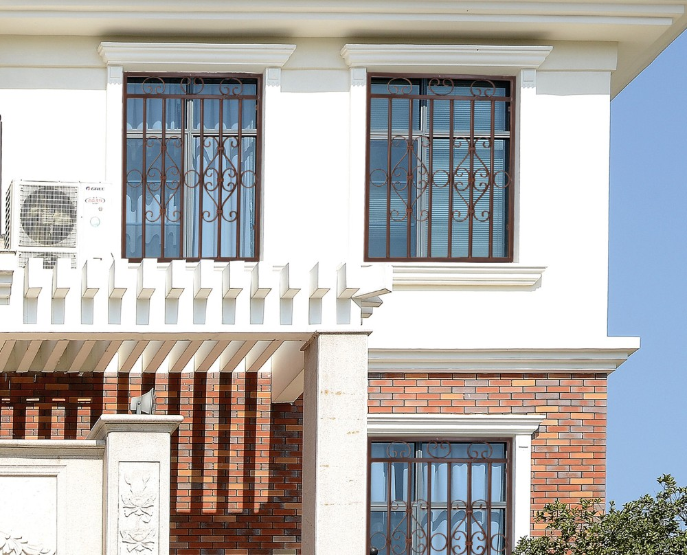 Elegant french house windows simple iron window grills design manufacturer buy simple steel for Fenetre naco
