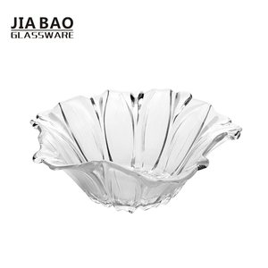 Beautiful 7 inch large flower shape decorative glass bowls clear color glass candy bowl