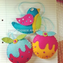 2018 new design hot sale China wholesale bird/pudding ball crafts ornament handmade tree decoration felt Christmas gift for kid