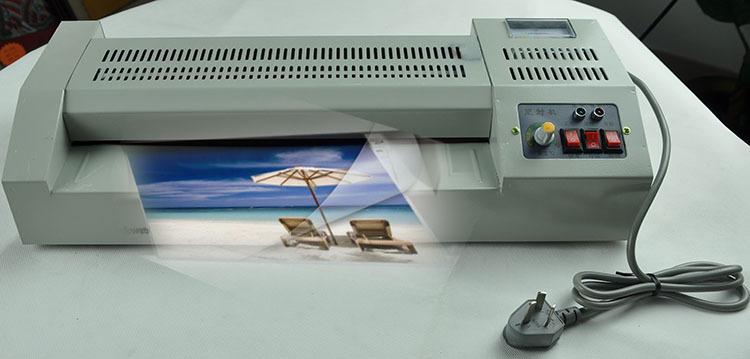 Machine /à plastifier A2 Machine /à plastifier Affichage num/érique A3 A4 Photo de bureau