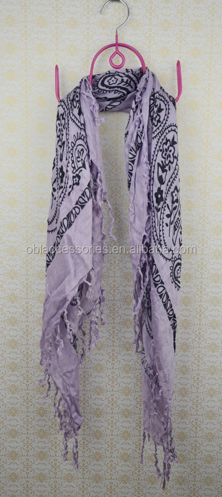 Stock wholesale and retail viscose cashew print with tassel scarf