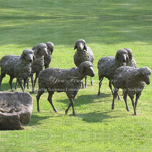 Vivid Life-size Garden Bronze Grazing Sheep Sculpture
