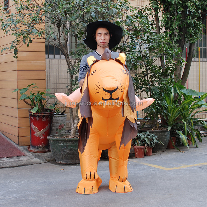 Attractive inflatable walking Lion Mascot Costume