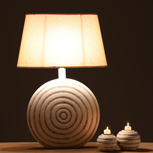 Modern Beautiful Antique Polyresin Energy-saving Table Lighting Lamp