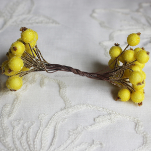 High Quality 200pcs Yellow Color Mini Christmas Frosted Fruit Berry Holly Artificial Flower Suitable For Outdoor