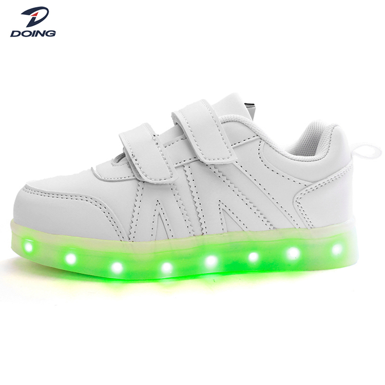 China manufacturer stylish sport flash child led shoe with buckle strap